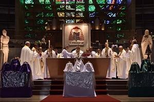 Missa dos Santos óleos e instituição do sacerdócio, na Catedral