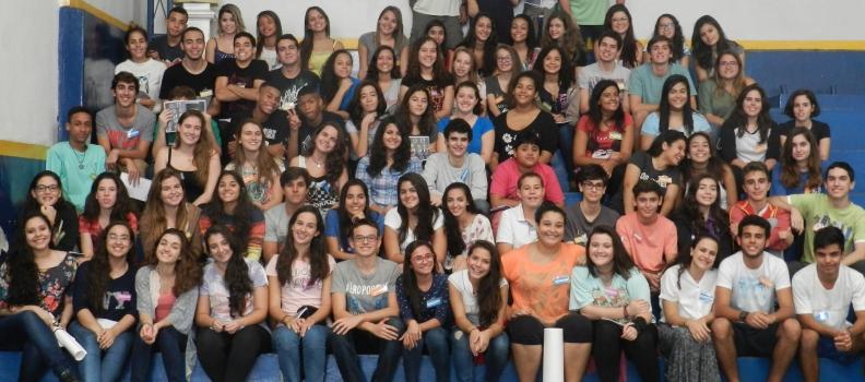 Reencontro do EAJC enche a igreja de jovens